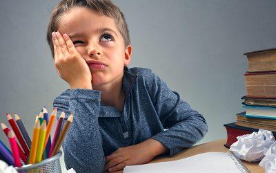 Come aiutare i bambini ad essere autonomi nei compiti?