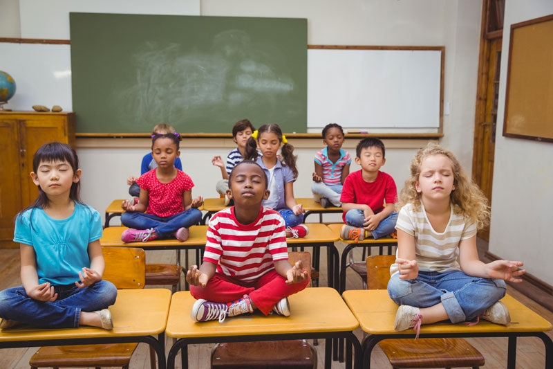 Vuoi un figlio più calmo e sereno? Non è questione di educazione ma di meditazione.